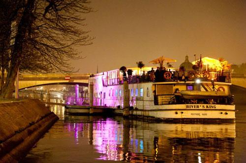 river-s-king-peniche-exterieur-reveillon-du-31-decembre-2011-paris-blog-grand-hotel-francais